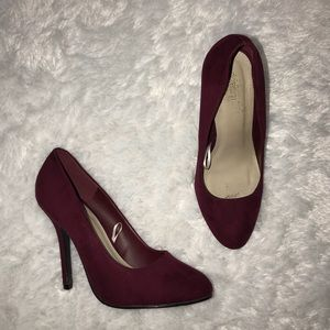 Wine Colored Heels 🍷